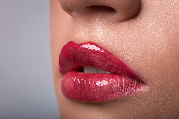 Contract manufacturing of plumping lip gloss